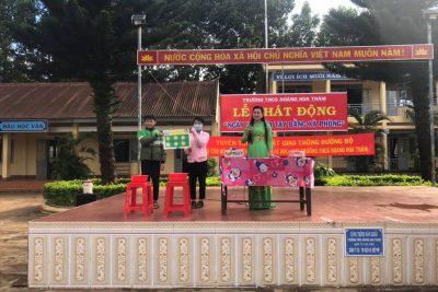 """Trường THCS Hoàng Hoa Thám Phát động ngày hội: """"RỬA TAY BẰNG XÀ PHÒNG""""."""