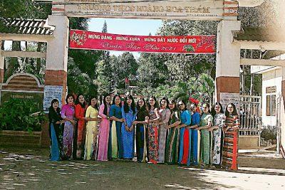 Trường THCS Hoàng Hoa Thám hưởng ứng tuần lễ áo dài