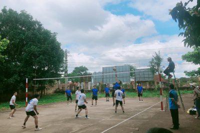 Trường THCS Hoàng Hoa Thám tham gia giải bóng chuyền nam của cụm thi đua số 3